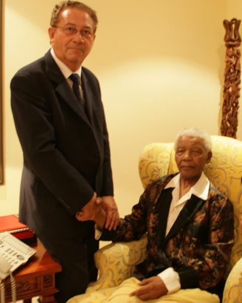 Claude HOARAU reçu par Nelson MANDELA - Mars 2009