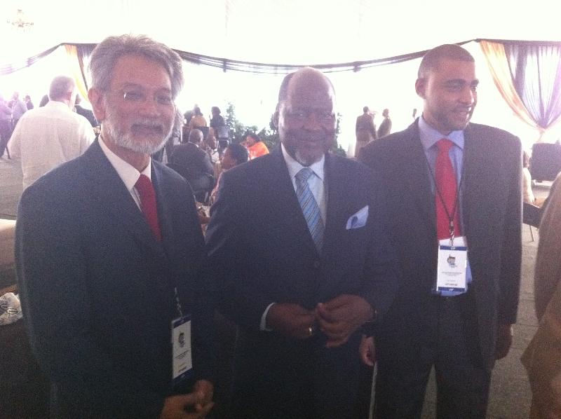 Joaquim Chissano et la Délégation du PCR